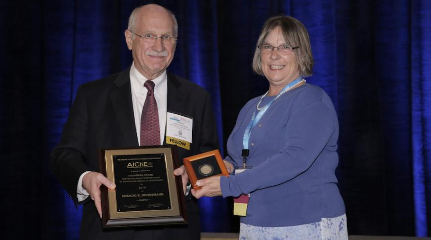 Dr. Ignacio E. Grossman, R.R. Dean University Professor of Chemical Engineering, Carnegie Mellon University (left) with AIChE 2019 President Kim Ogden (right).